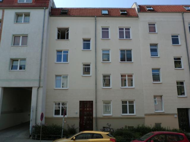 AmKabutzenhof_Nr11_2013.jpg